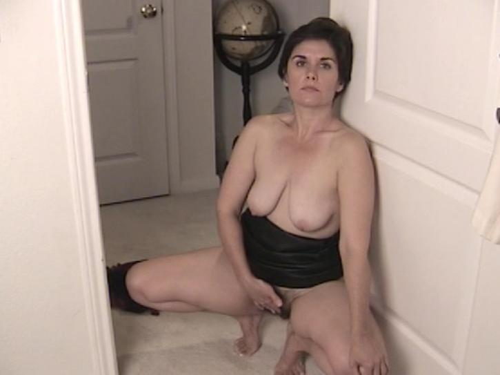 ATK Natural And Hairy MILF 9 / This clip from ATK Natural And Hairy M.I.L.F. 9 by Kick Ass Pictures and Amateur Teen Kingdom features a furry M.I.L.F. sexpot who looks into the camera while she rubs her hairy pussy.