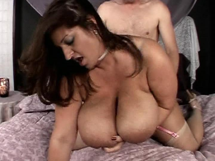 Hot Sexy Plumpers: All-Stars / The voluptuous and exotic Maria Moore from Hot Sexy Plumpers: All-Stars gets exactly what she wants and you will too when you see her suck off a huge cock and then get fucked doggy-style.