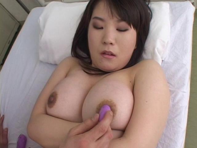 Virgin: Yuko / This clip from Virgin: Yuko by Cinema Gas Unit Corp. features the virgin laying on her back, getting her big natural breasts stimulated with a vibrator till her nipples get hard and erect.