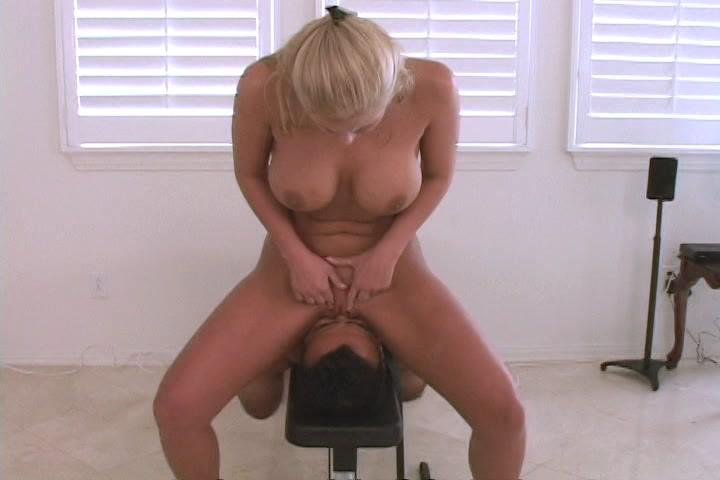 Facesitters In Heat 7 / Lean, mean blonde Mistress Phoenix Marie is a demented, controlling facesitting freak. She makes her Roman Video debut bent over a couch, ass tilted high and orders you to bury your face in an incredibly close POV.