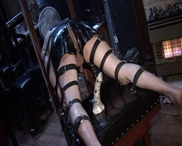 The Sensualatrix / This is Mistress Beverley at her most sensual. A dominant woman with a body to die for, who's not adverse to getting her kit off and letting her slaves lick and suck at her most worshipful shrine. Slave after slave is subjected to her cruel domination