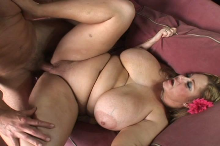 BBW Heavy Tits 9 / 100% all natural boobs so big you will not believe your eyes! There is nothing better than a big and bold babe with a big rack, and these babes have the biggest soft and natural boobies in the world!