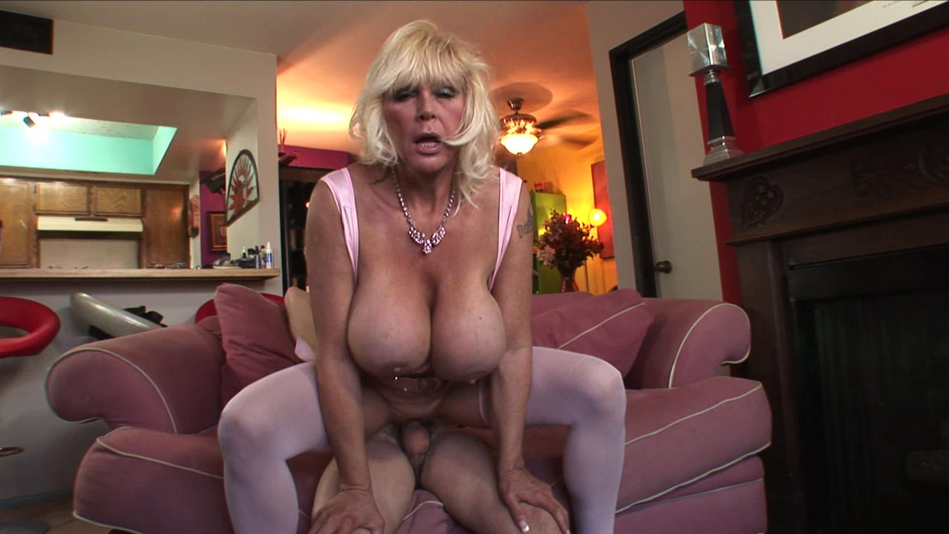 Horny Grannies Love To Fuck 2 xvideos