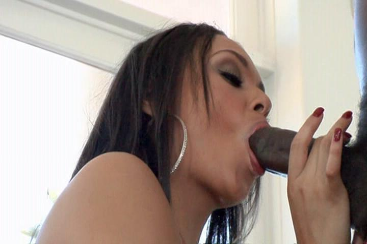 Black Anal Love 2 / Gorgeous, black sistas go anal yet again! Indulge in deep, intimate anal worship and watch some fine black asses getting fucked.
