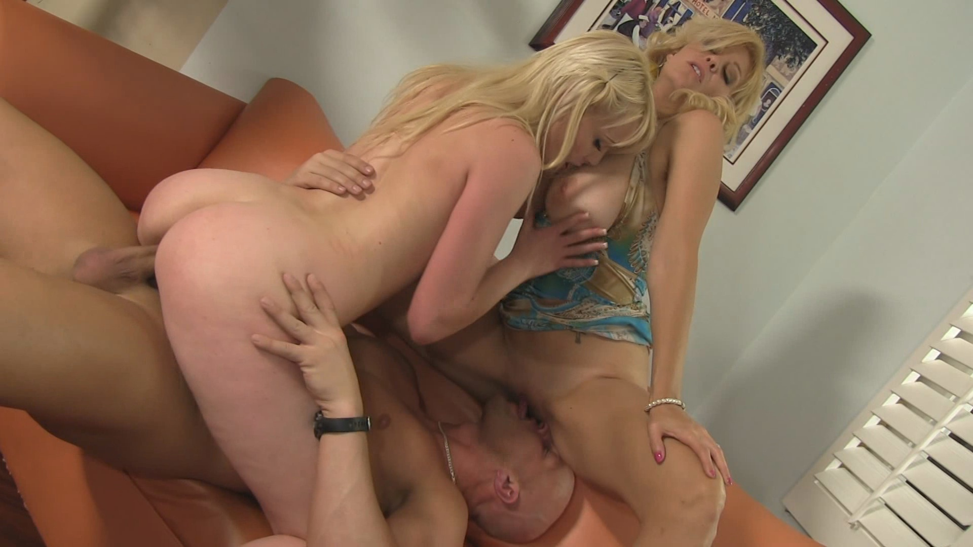 Couples Bang The Babysitter 9