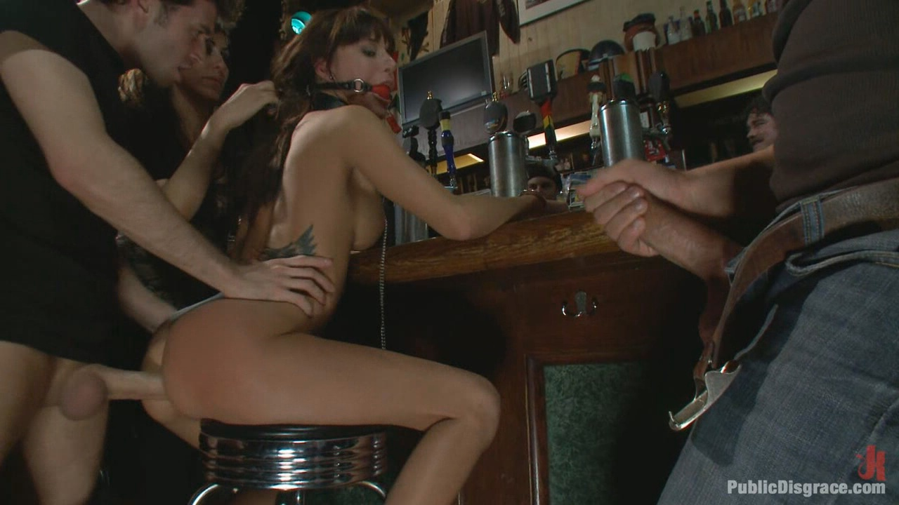 Public Disgrace: Gia DiMarco Gets Double Penetrated At A Public Bar xvideos168647