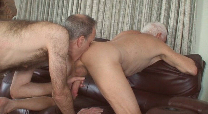 Mature bisexual carl laid the