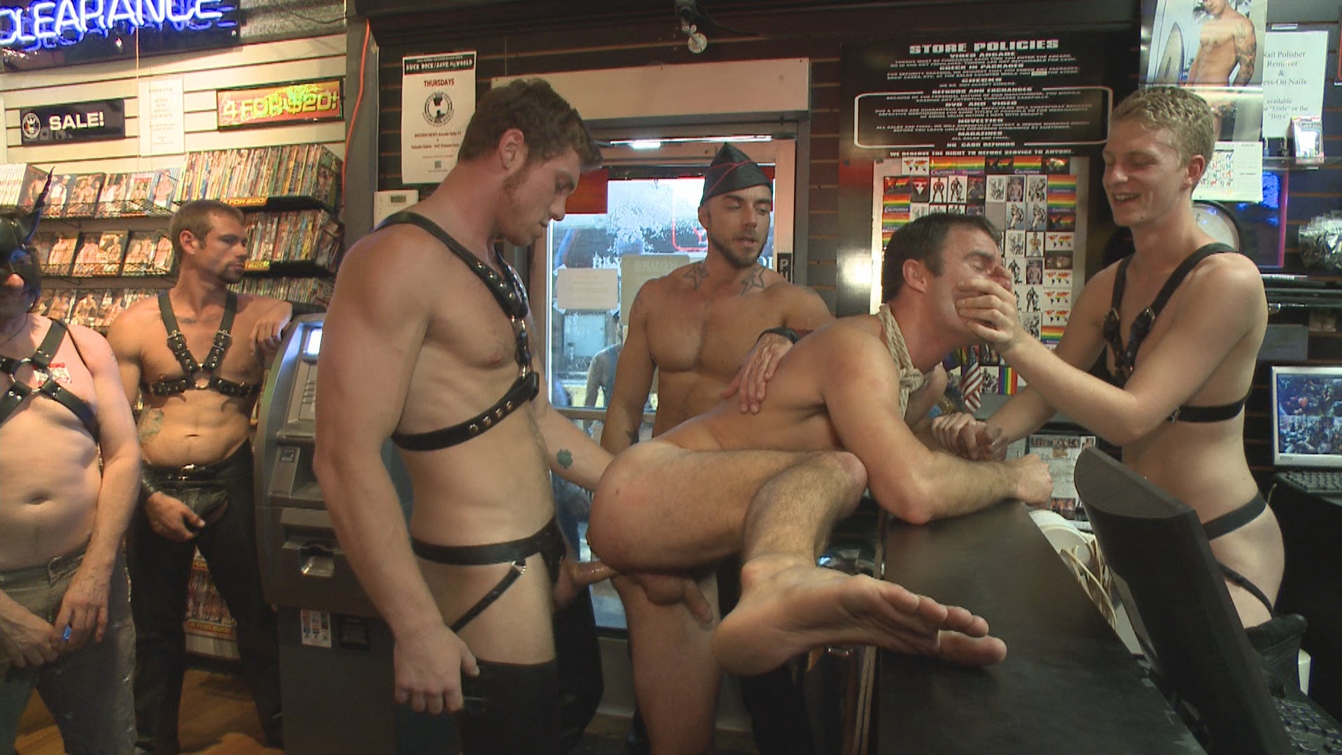 Bound In Public: Sexy Stud Cameron Kincade - The Folsom Street Whore Xvideo gay