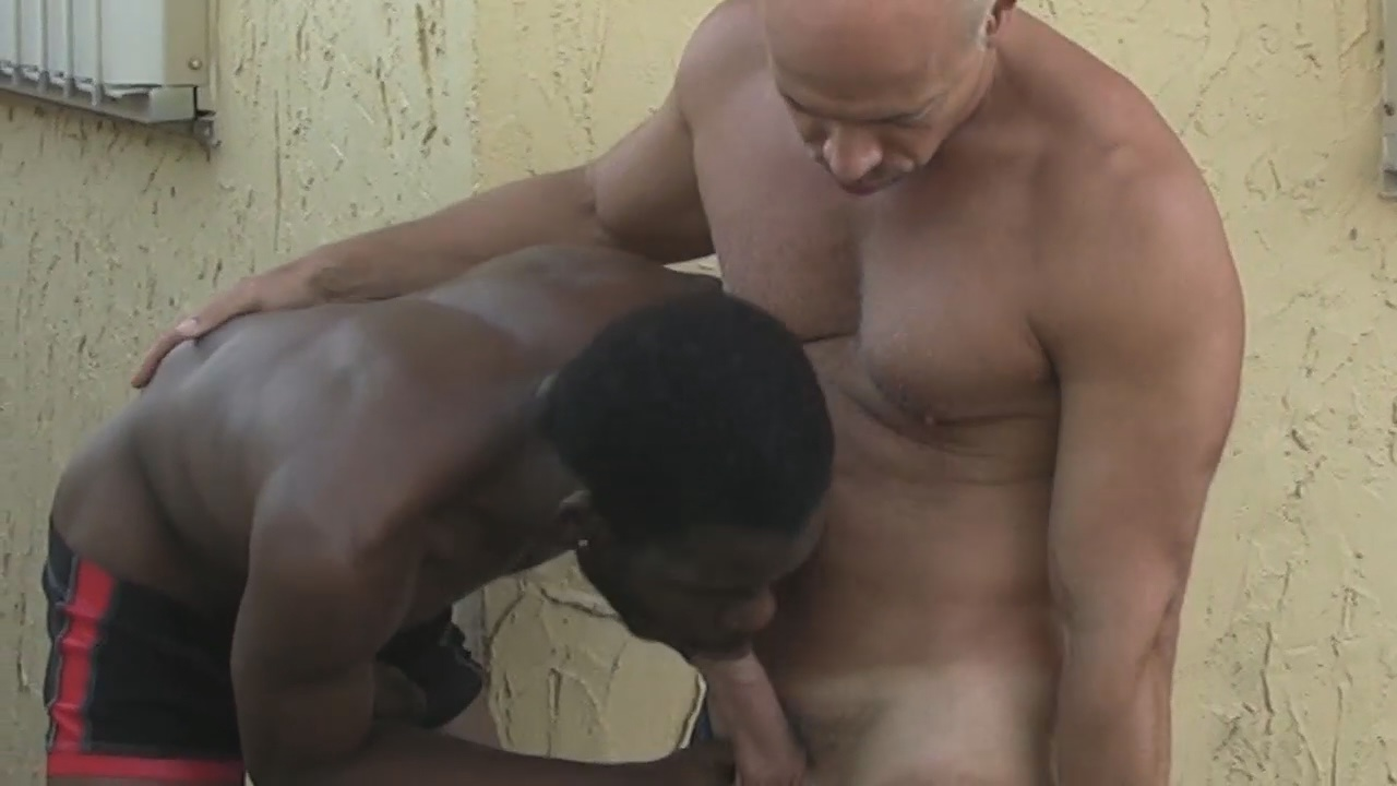 Vídeos Coroas Gay
