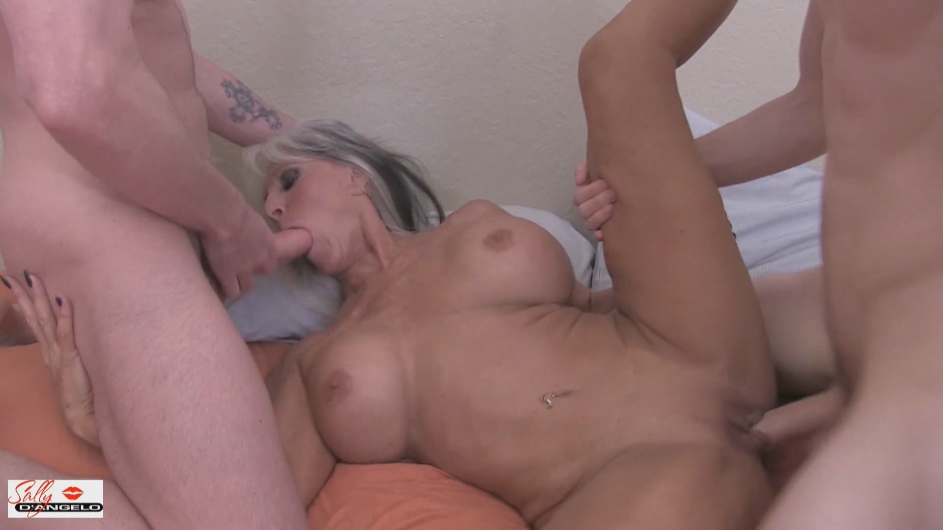 Double Fucking My Aunt xvideos