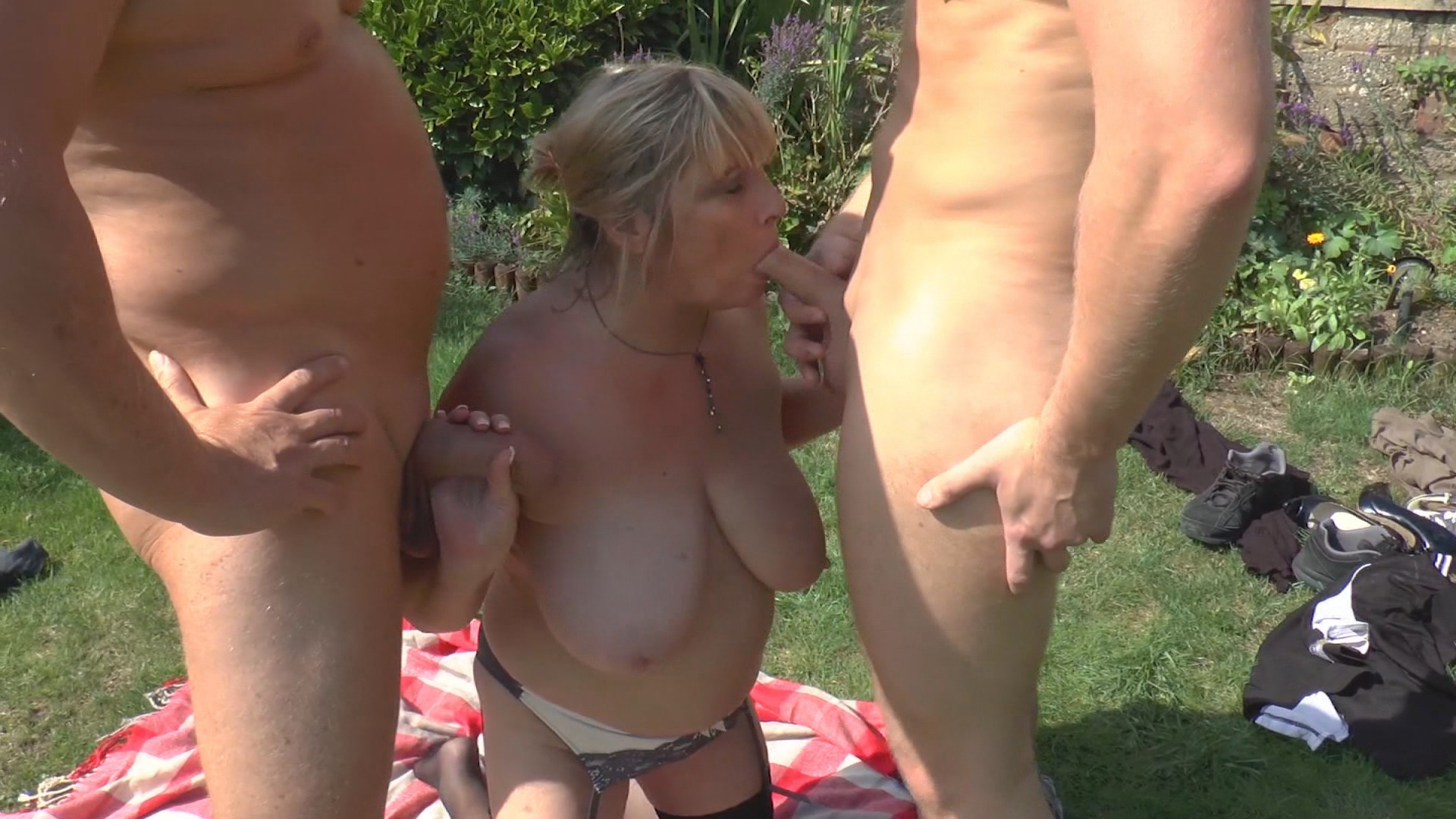 Merlin And Co  Pump The Plumpers Xvideos