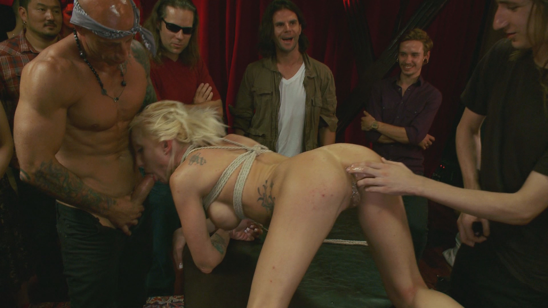 Public Disgrace: Lea Lexis Takes Control Of The Hole, Filthy Spectacle Of Disgrace Xvideos